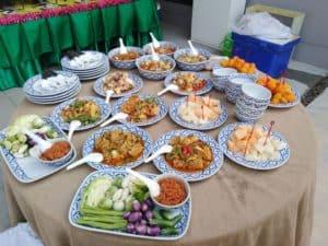 อาหารเลี้ยงพระ