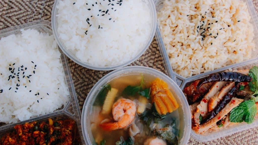 อาหารพร้อมทาน ลดความเสี่ยงออกนอกสถานที่